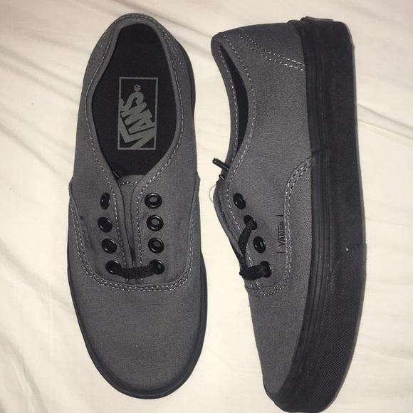 Authentic gray and black Vans bd9e3516e